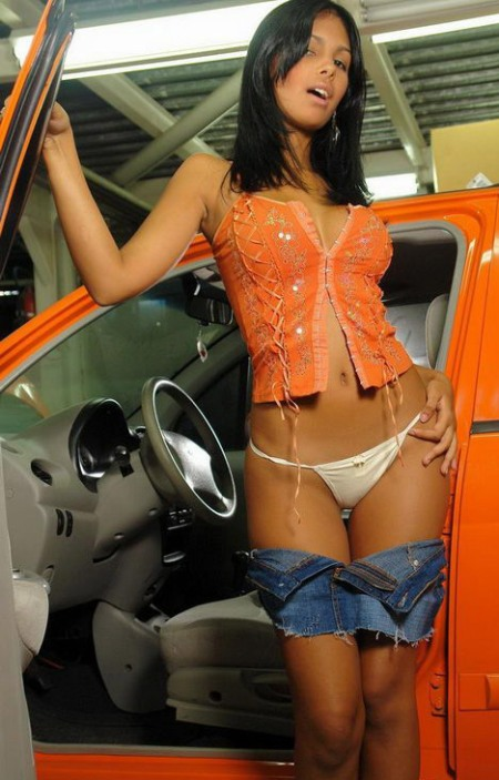 karla_spice_car2