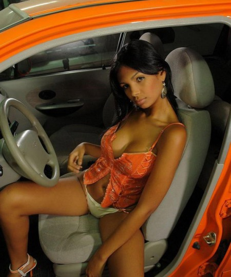 karla_spice_car4