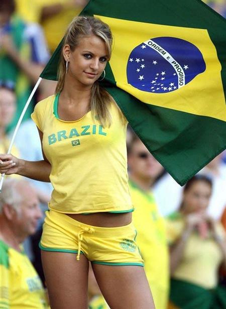 brazilian_pretty_blonde